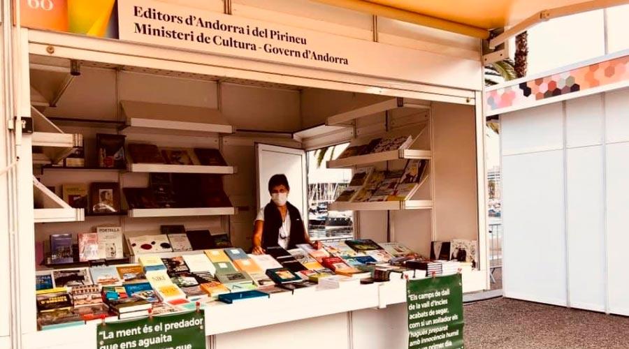 L'estand compartit del Govern d'Andorra a la 38a Setmana del llibre en català