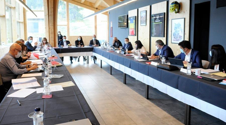 Una reunió de cònsols presidida per la Massana en la que també participa el ministre Víctor Filloy
