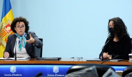 La ministra de Funció Pública i Simplificació de l'Administració, Judith Pallarés, juntament amb la secretària d'Estat, Lara Vilamala