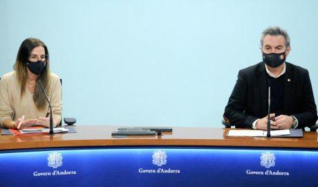 La ministra de Cultura i Esports, Sílvia Riva, juntament amb el secretari d'Estat d'Esports, Justo Ruiz
