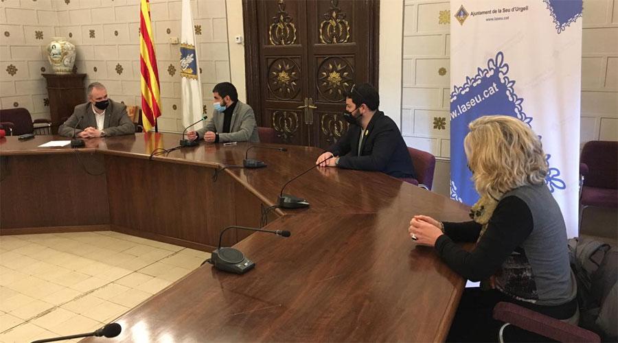 Chakir el Homrani, a la sala de plens de l'Ajuntament de la Seu d'Urgell