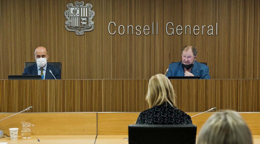 Joan Martínez Benazet i Jordi Font a la comissió legislativa de sanitat