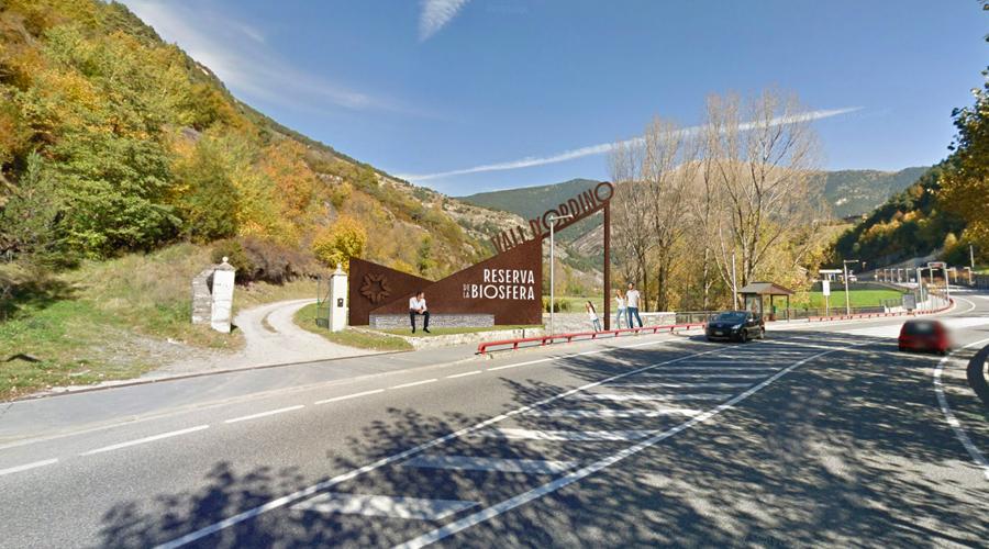 Projecció del rètol de benvinguda a la Vall d'Ordino, reserva de la biosfera