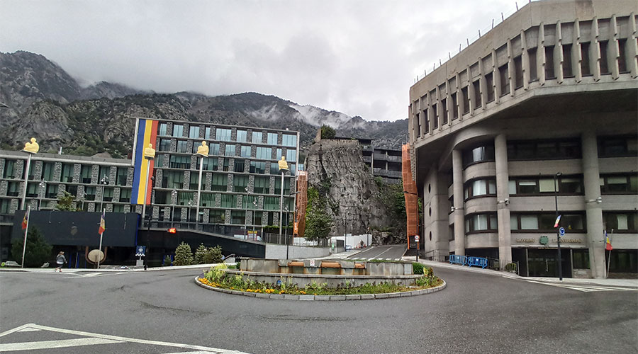 Els edificis del Consell General i del Govern