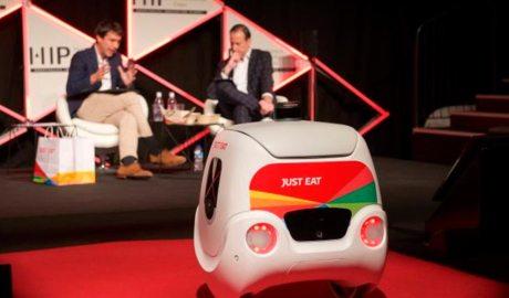 Debat sobre robòtica en la restauració