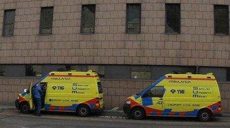 Ambulàncies davant de l'Hospital Nostra Senyora de Meritxell