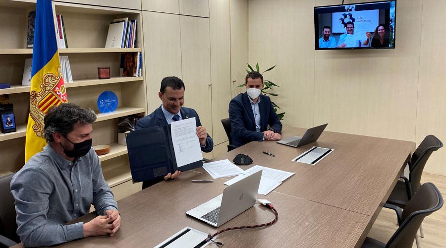 Pons, Gallardo i Galabert en la signatura de l'acord amb l'Israel Innovation Institute,