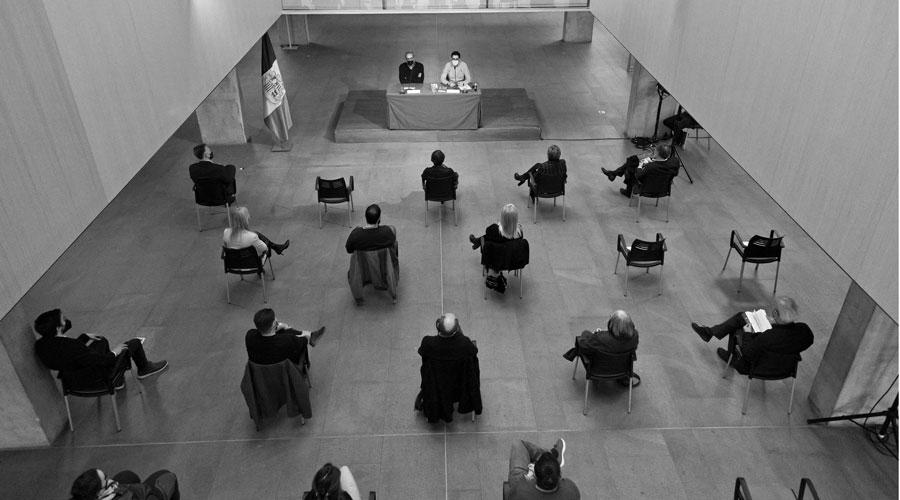 El vestíbul del Consell General durant la presentació del llibre d'Oliver Vergés Carlemany i Andorra: Història de la Carta Pobla, el document que va originar una llegenda