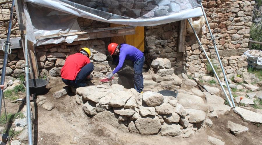 Arqueòlegs a Sant Vicenç d'Enclar