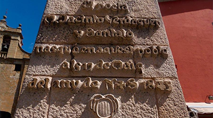 Monument Pedró de Mossèn Cinto