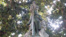 Estàtua de Teodor Llorente