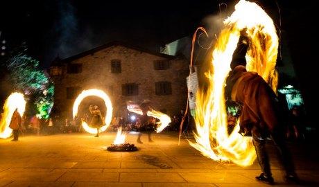 Falles per la revetlla de Sant Joan 2021 a la plaça del Consell General