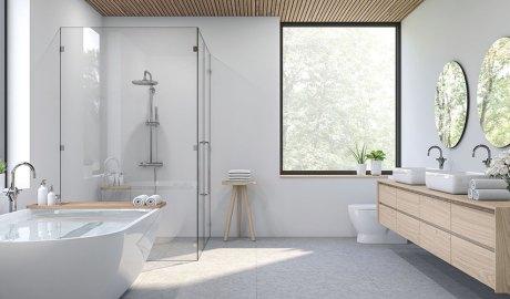 Bany amb mampara de dutxa