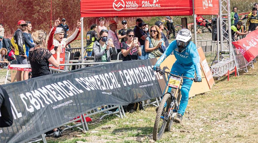 Un ciclista a la Copa Catalana de Descens a Vallnord
