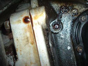 Engine oil leak probably from rear main oil seal | IH8MUD