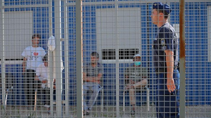 Hungarian NGO considering lawsuits on behalf of asylum-seekers — V4Revue