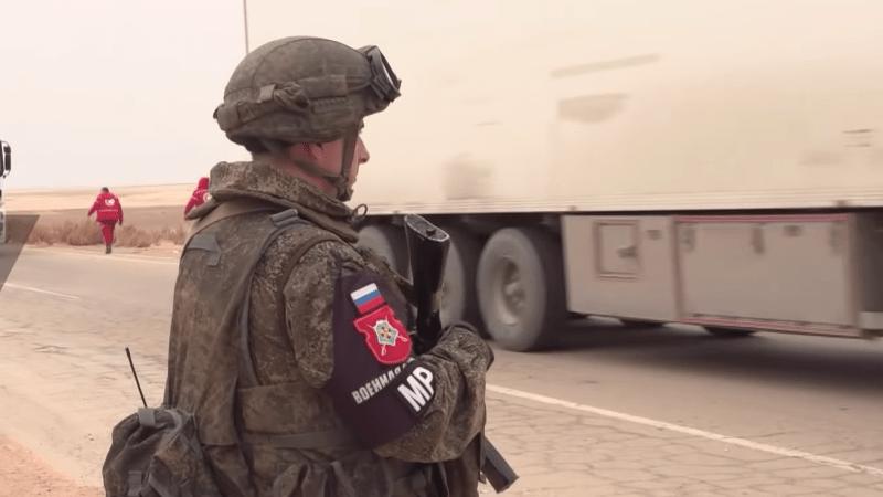 Les militaires russes sécurisent la plus importante aide humanitaire en Syrie en faveur du camp de Rukban