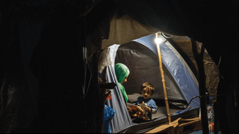 Appel du HCR pour une plus grande solidarité européenne envers les enfants réfugiés et migrants.