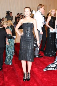 Leighton Meester, in Louis Vuitton, with Cathy Waterman jewels and a Louis Vuitton clutch and shoes.