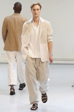 Issey Miyake (23)
