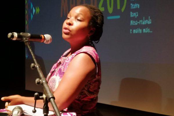 """""""Como o endividamento público ilegal afecta todos os esforços de redução de pobreza em Moçambique"""", por Fátima Mimbire, activista"""