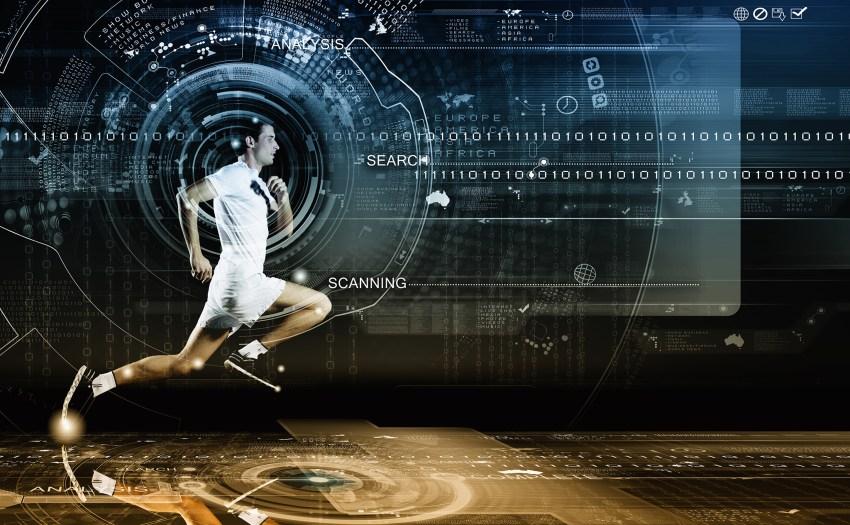 hombre corriendo con elementos digitales al rededor - deporte