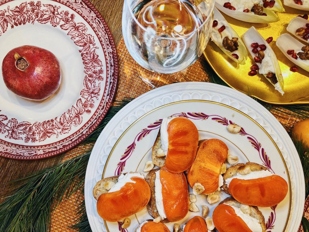 This sweet and savory persimmon crostinis are delicious with Extra Brut Prosecco