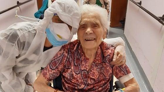 """Biella, a 104 anni nonna Ada guarisce dal coronavirus: """"Dopo due guerre ha superato anche la pandemia"""""""