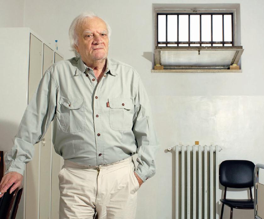 Poliziotto Contrada risarcito per ingiusta detenzione: 670mila euro. «Danni irreparabili, soldi non mi interessano»