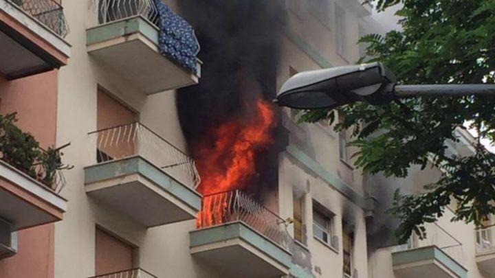 Fiamme in appartamento a Roma bimbo intossicato da fumo