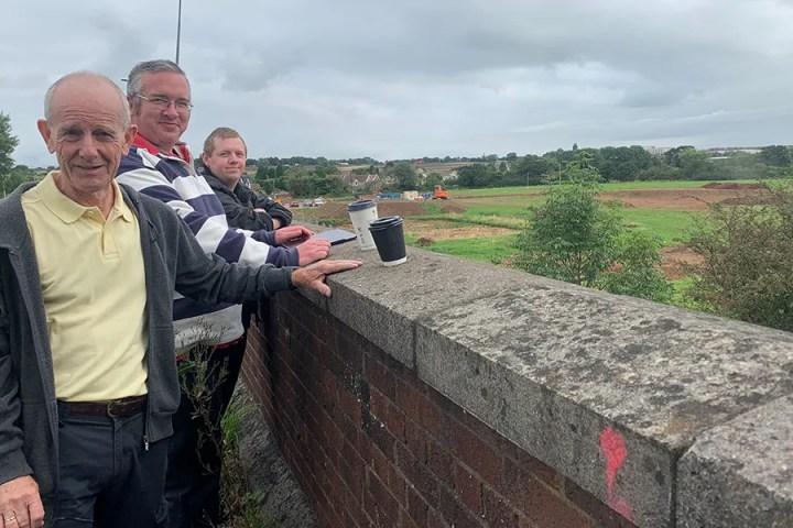 Henbury station site - Tony Lloyd, Mark Weston, Mark Maggs