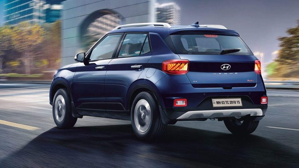 Specifications and features, mileage and onroad price of hyundai's venue. Hyundai Venue Vs Kia Sonet Price And Specs Which One Is Better