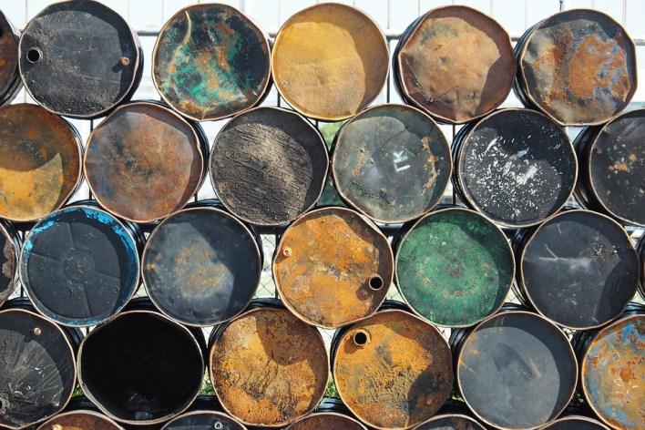 oil-tank-4532361_960_720