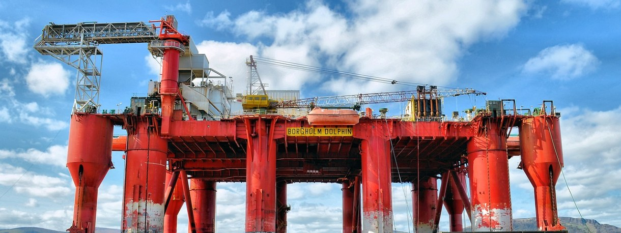 oil-rig-2205542_1280