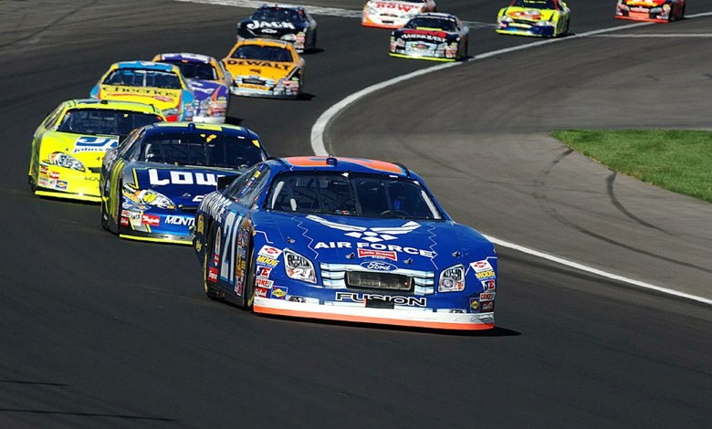 Photo of Is NASCAR a Waste of Fossil Fuels?