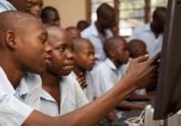 school children using PC