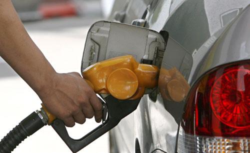 Los coches consumen un 40% de lo que indican los fabricantes