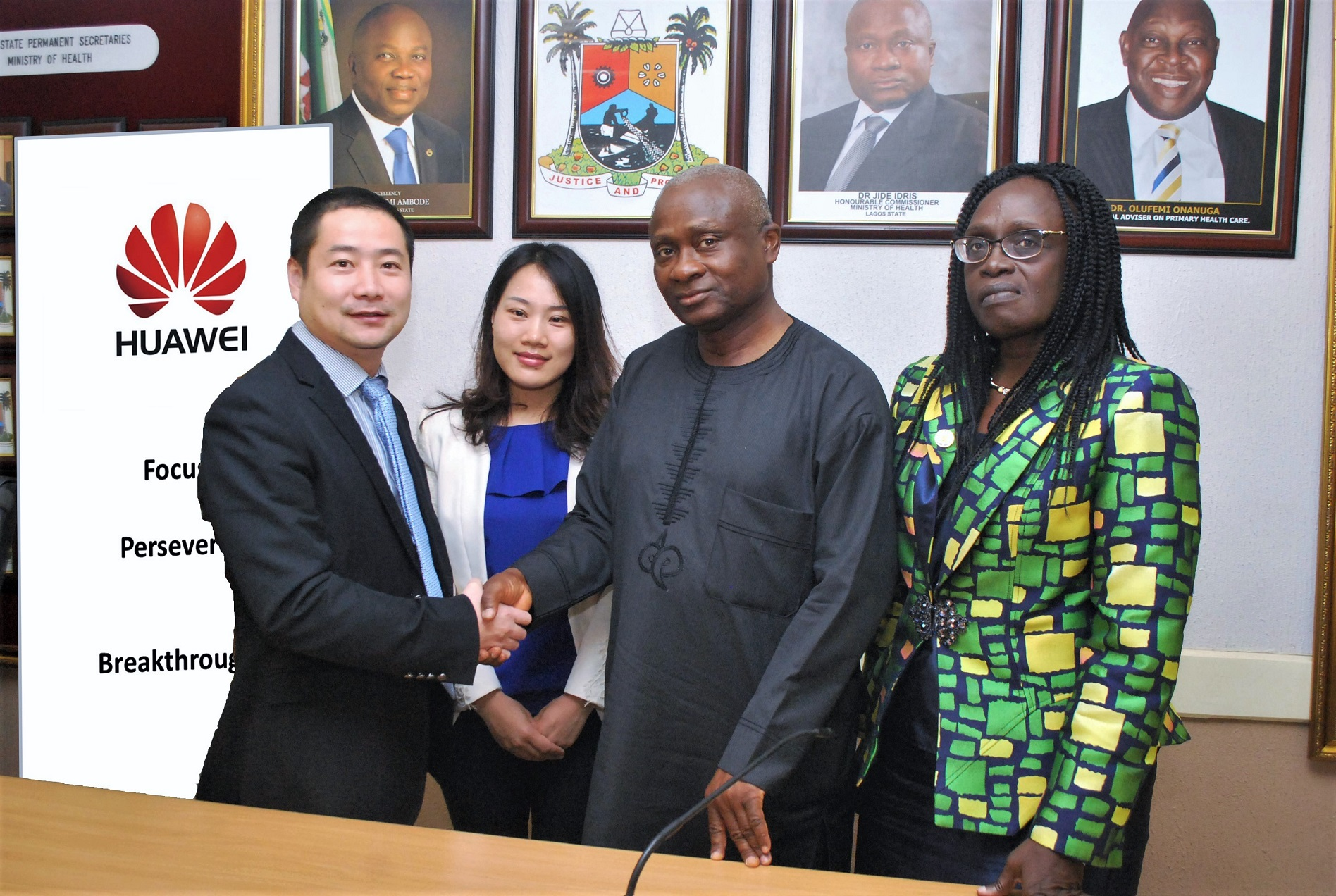 HUAWEI MEETS HEALTH COMMISSIONER