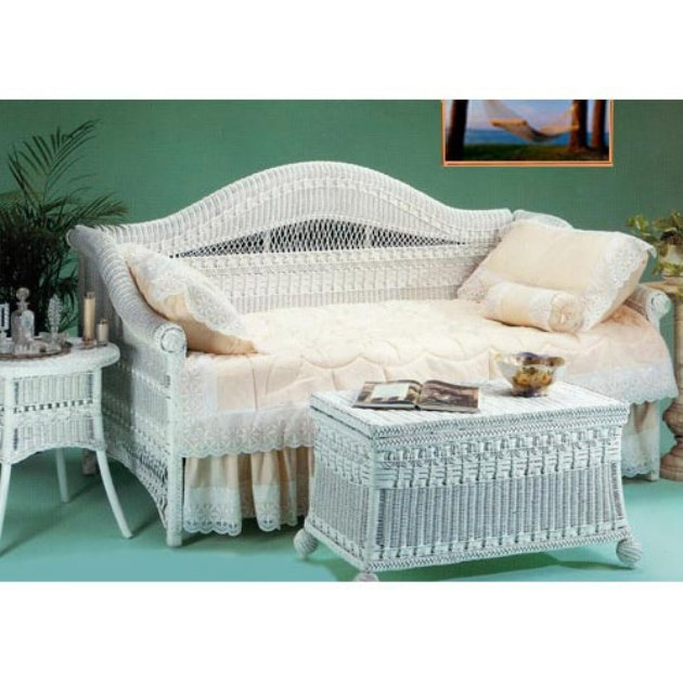 Wicker Daybed With Trundle   Foter Yesteryear Wicker Classic Wicker Daybed  White  Wicker  Twin