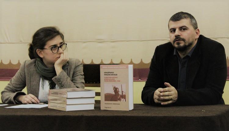 Both Noémi Zsuzsanna és Sárándi Tamás a könyvbemutatón (foter.ro - Mészáros Tímea)