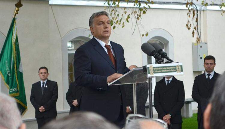 Orbán Viktor jött, látott, avatott