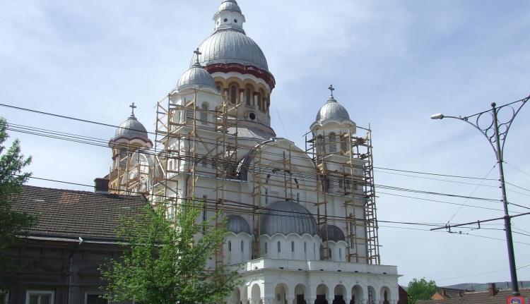 Kormányzati kampánytámogatás ortodox templomépítésekre