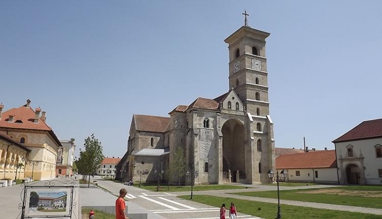 Felújítják a gyulafehérvári érseki székesegyház tornyát