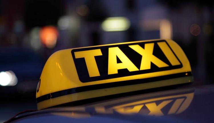 Így cseleznek a taxisok az adózással
