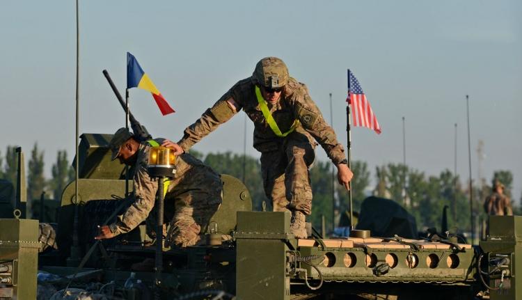 Még több katonát küld a NATO Romániába