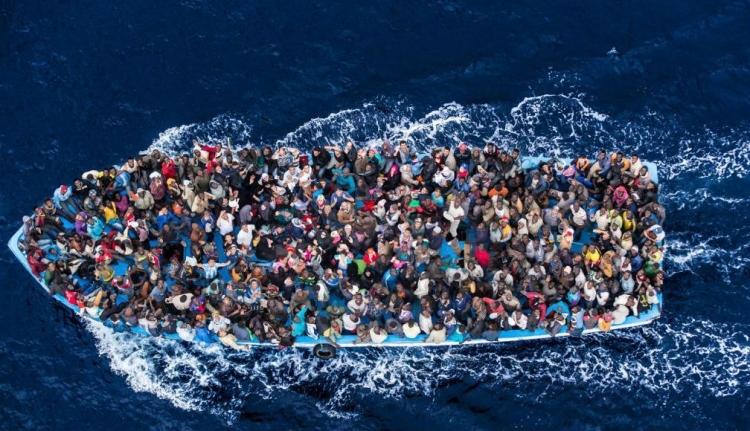 Csak hétfőn hatezer Európa felé tartó migránst kellett kimenteni a Földközi-tengerből