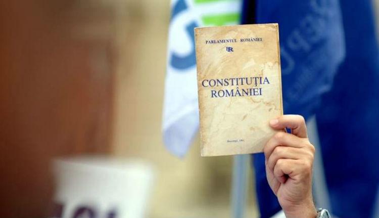 Létezik tökéletes alkotmány?