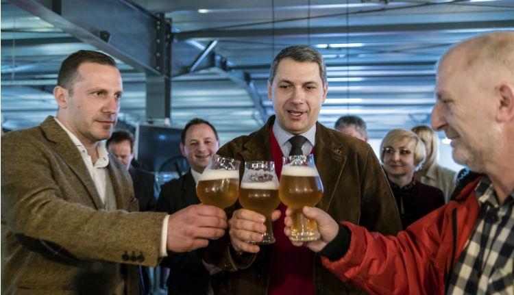 Lázár békülésre biztatja a Heinekent és a Csíki Sör Manufaktúrát