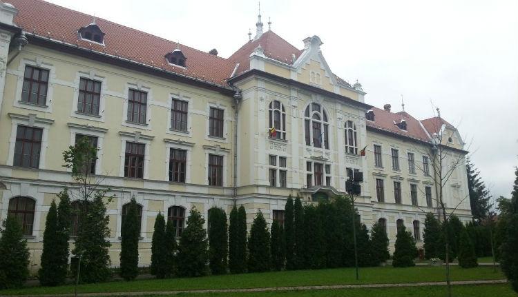 A működő, de nem létező magyar középiskola