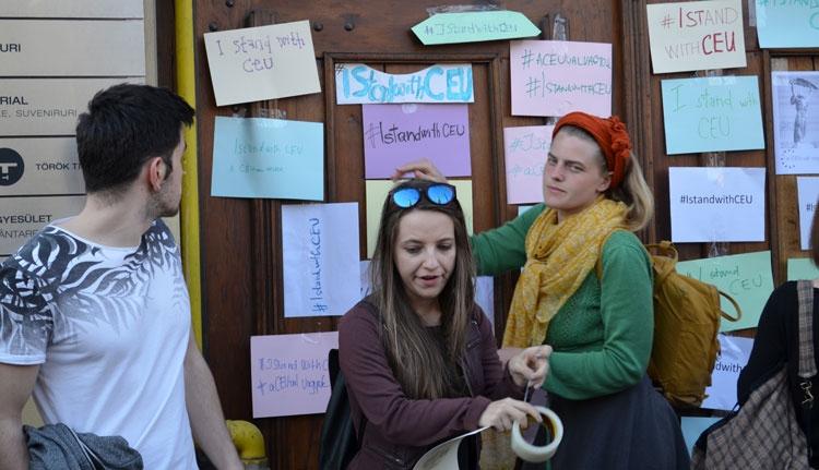 Kolozsváron is tüntettek a CEU mellett